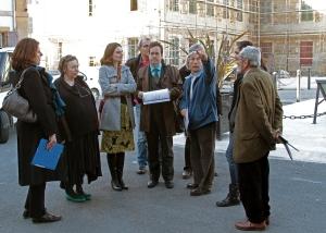 La visite commence avec les commentaires de Jacques LEMAIRE et André LIMON (Crédit Photo KH Communication)